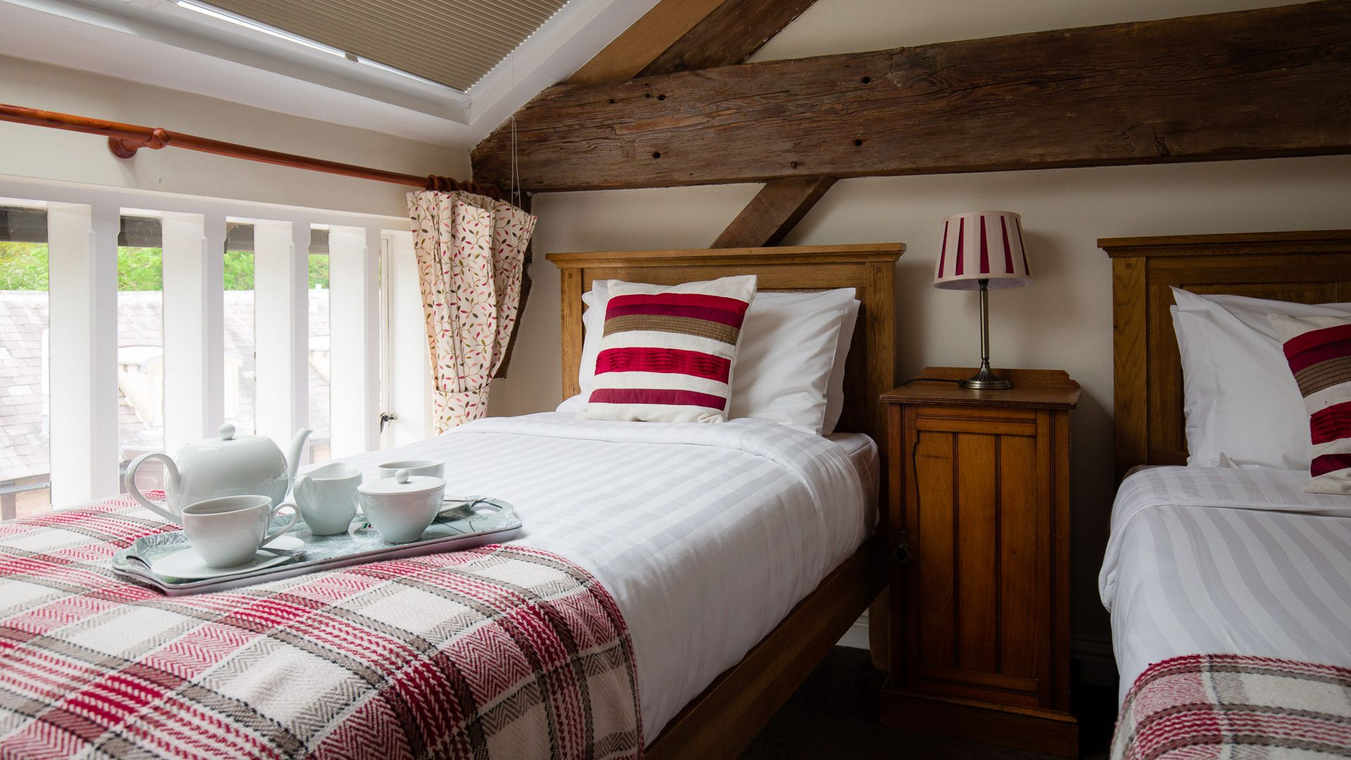 Bedroom Two, Oliver Cromwell at Sudeley Castle, Bolthole Retreats
