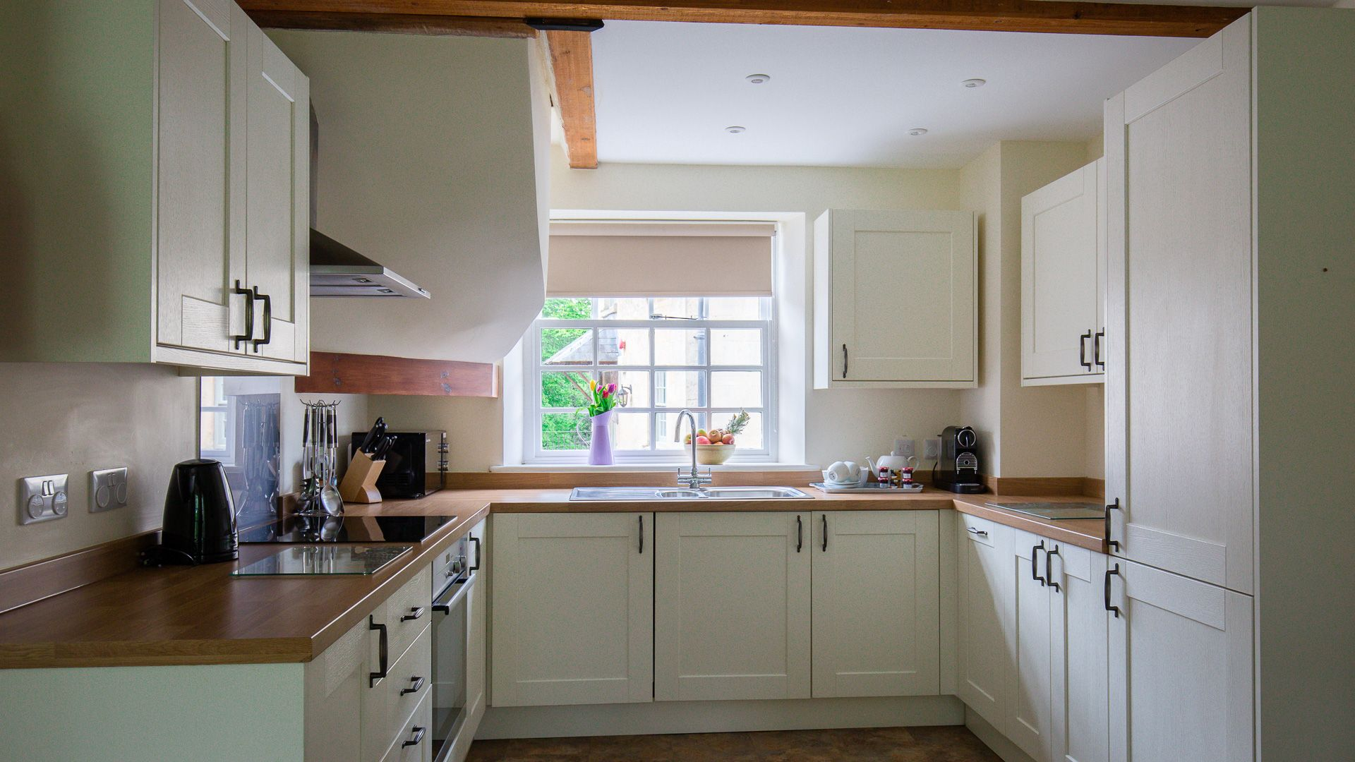 Kitchen, Prince Rupert at Sudeley Castle, Bolthole Retreats