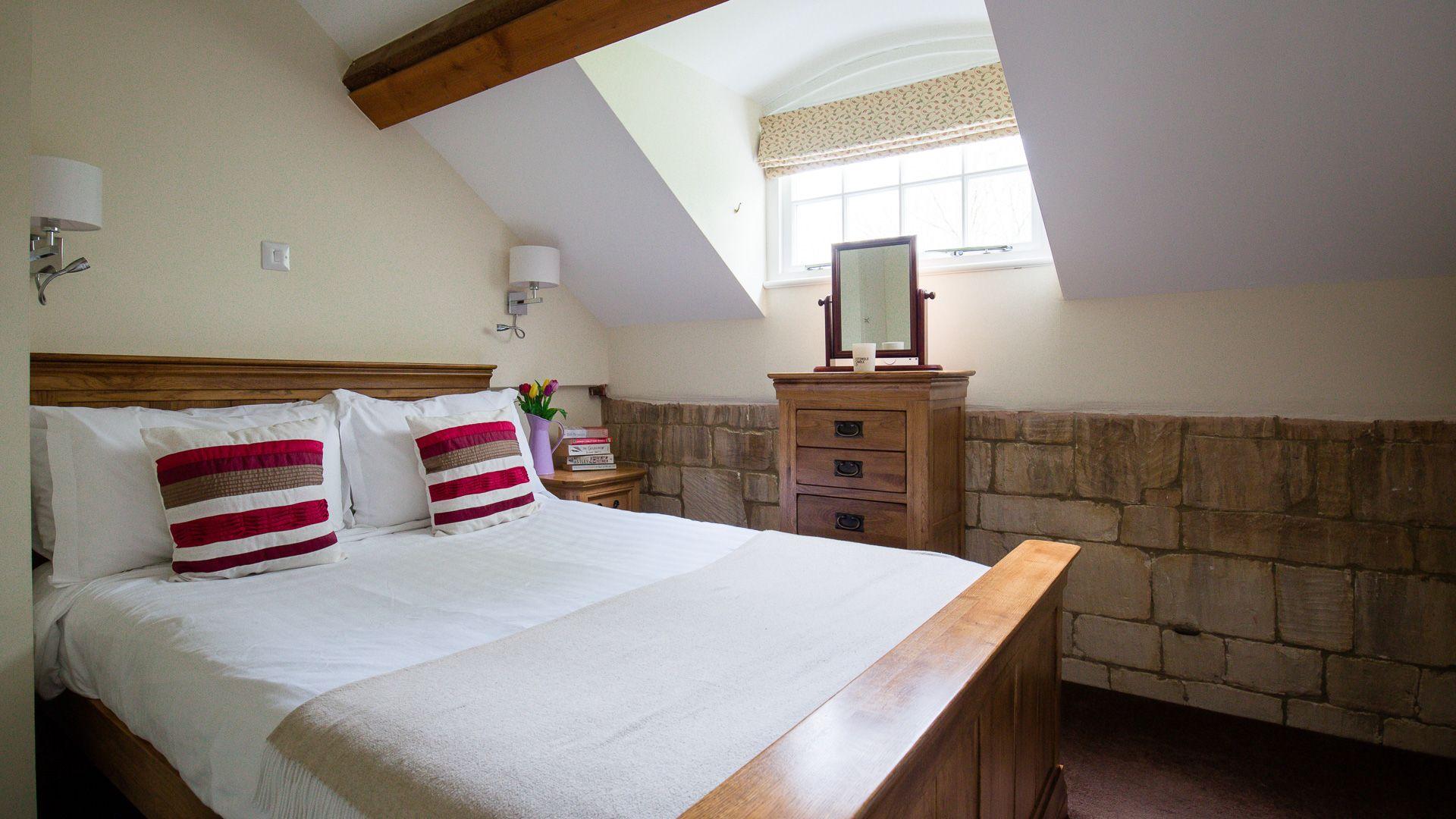 Bedroom One, Prince Rupert at Sudeley Castle, Bolthole Retreats