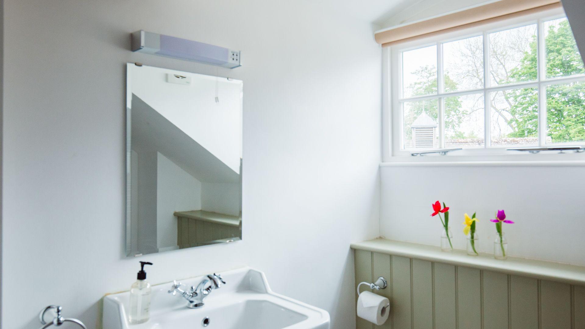 Family Bathroom, Prince Rupert at Sudeley Castle, Bolthole Retreats