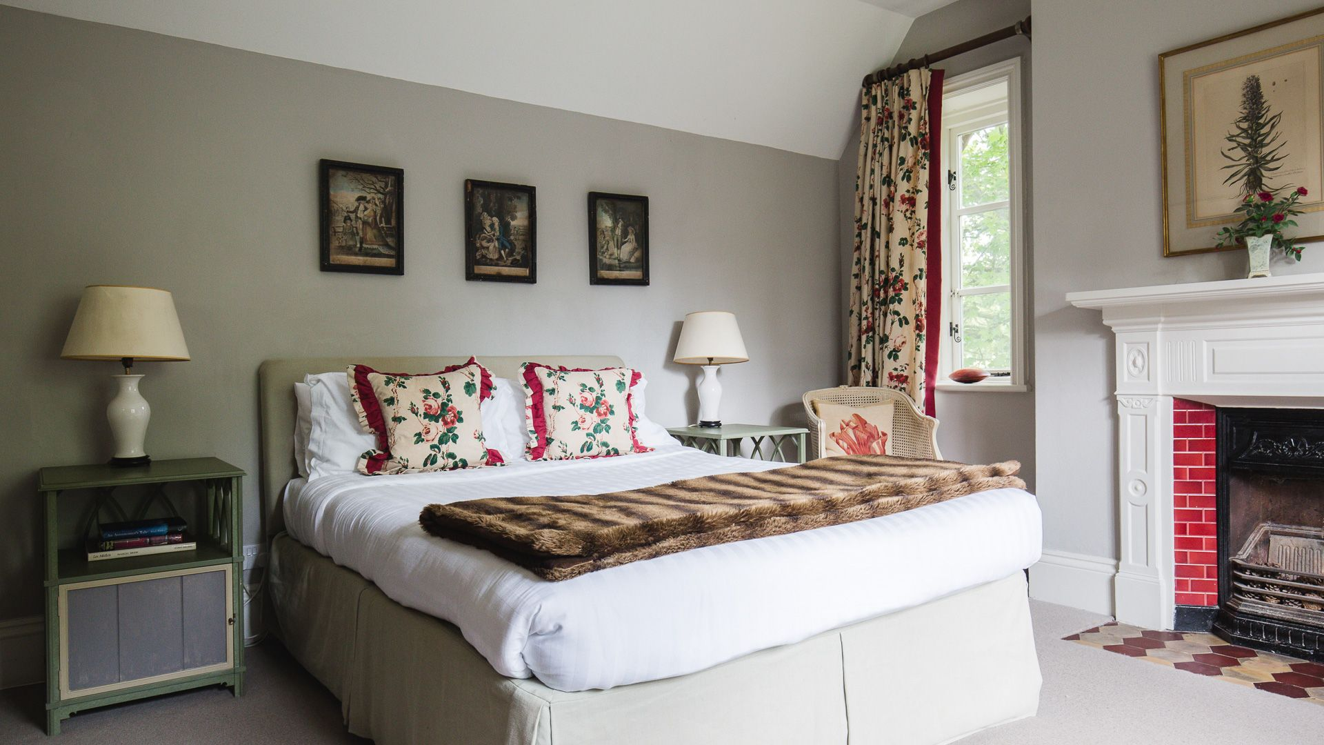 Bedroom Two, Sudeley Guest Cottage, Bolthole Retreats