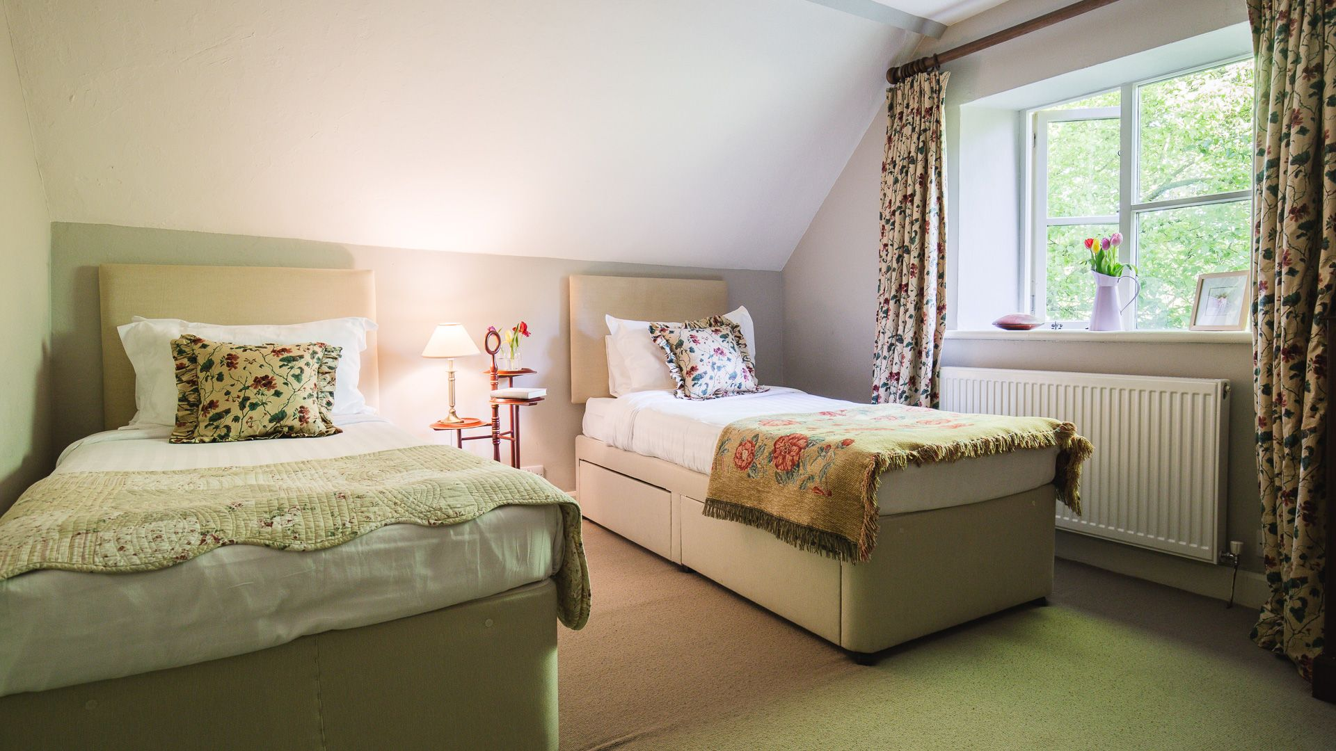 Bedroom Three, Sudeley Guest Cottage, Bolthole Retreats