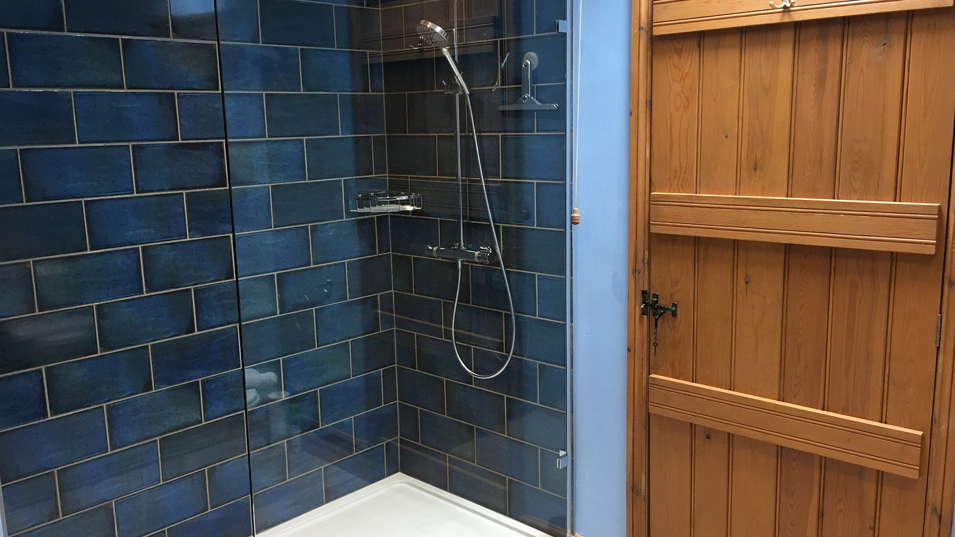 Bathroom shower, Old Chapel, Bolthole Retreats