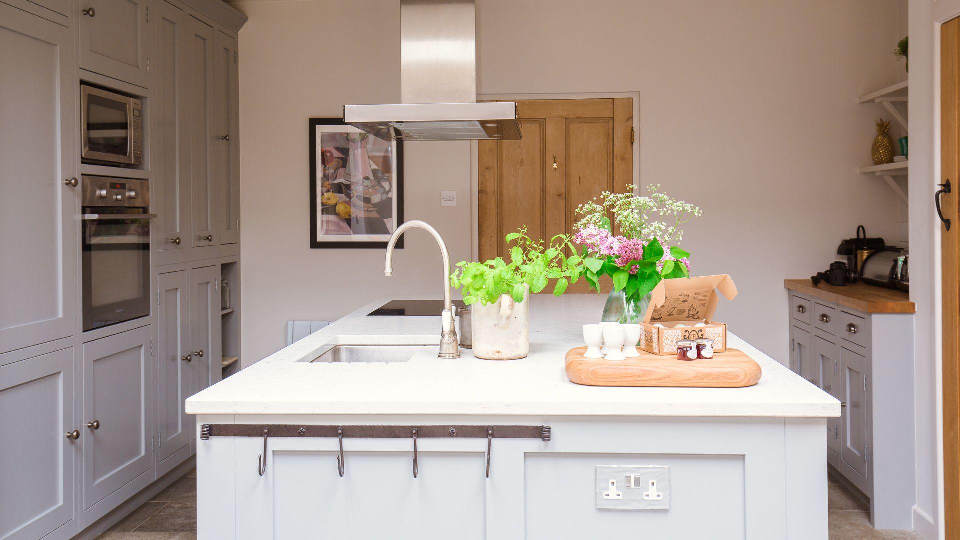 Kitchen, Monument Cottage, Bolthole Retreats