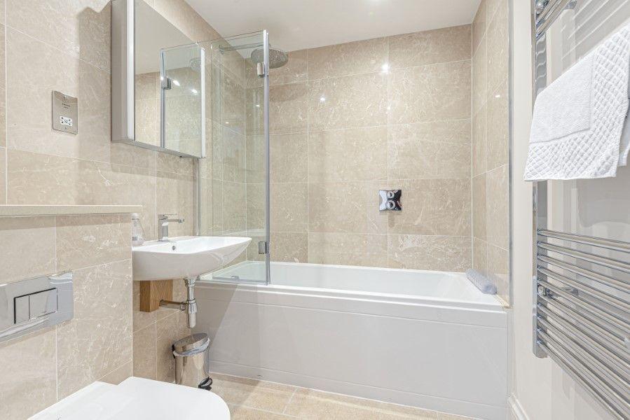 Charlotte Cottage | Bathroom