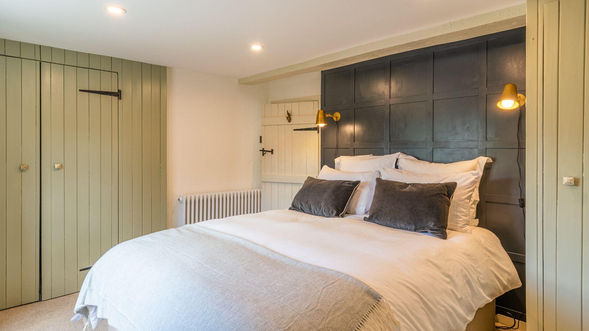 Bedroom One, Poppy Cottage, Bolthole Retreats