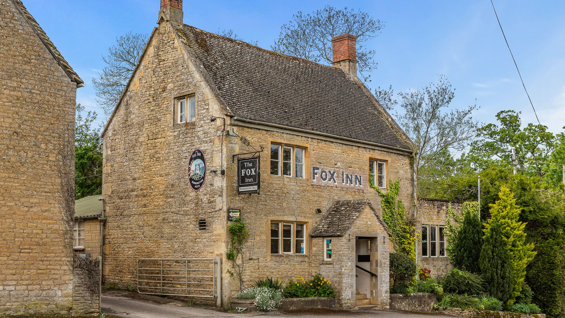 The Fox Inn at Broadwell, Poppy Cottage, Bolthole Retreats