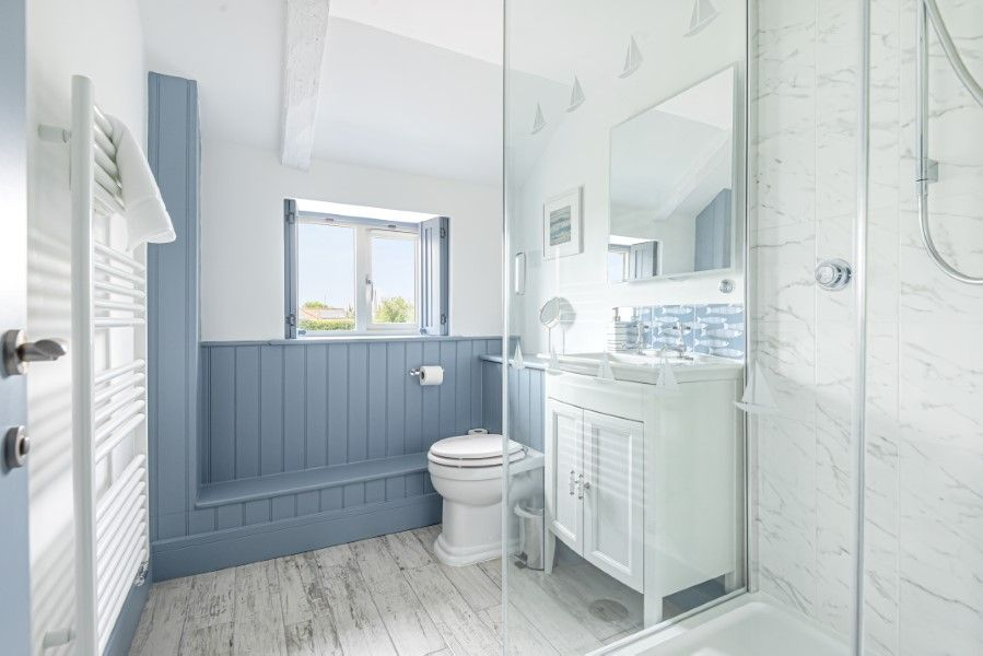 Heronsway | Ensuite shower room