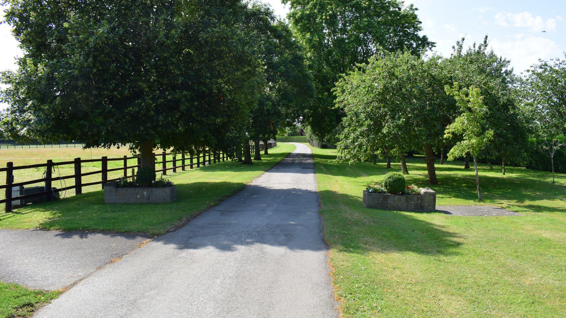 Entrance to the Estate, Shepherds Hut at Avon Farm, Bolthole Retreats