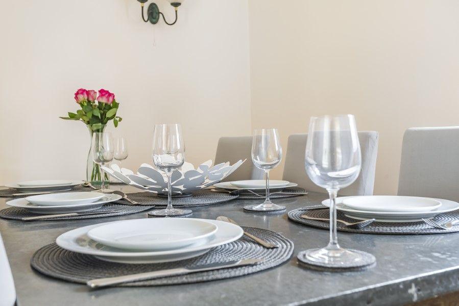 Fulmar | Dining table