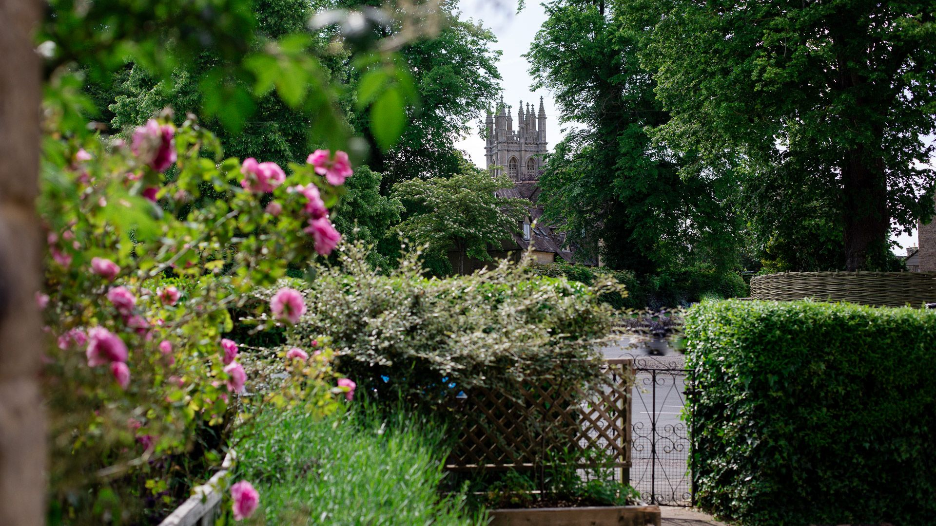 Front garden and church view, Monument Cottage, Bolthole Retreats