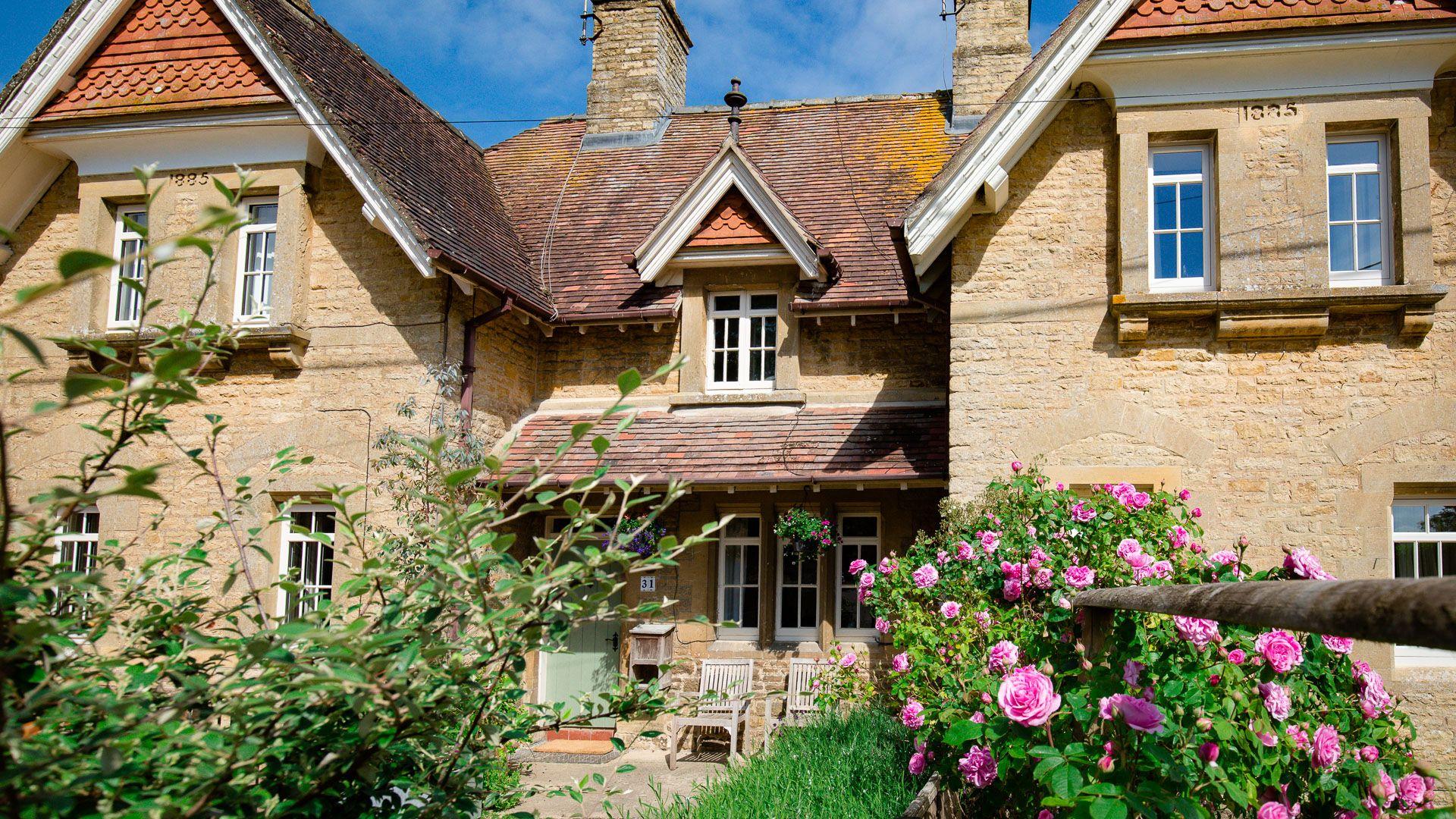Front view, Monument Cottage, Bolthole Retreats