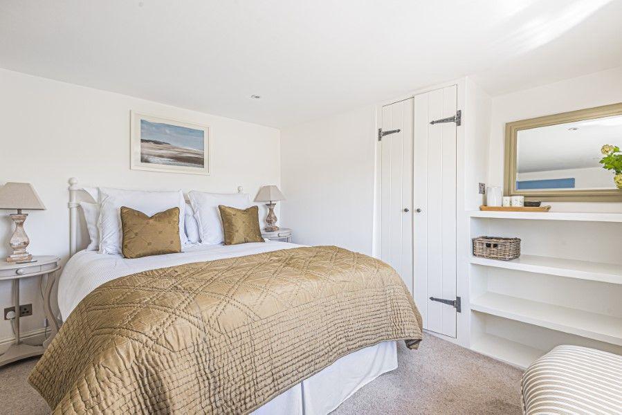 Avocet Cottage NC | Bedroom 1