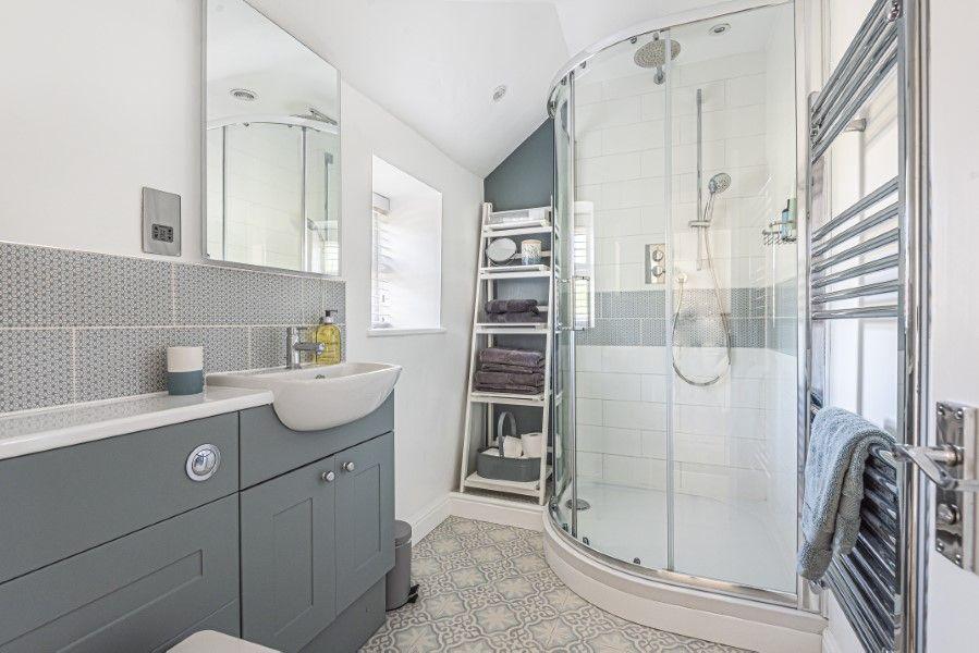 Avocet Cottage NC | Shower room