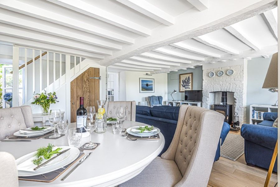 Avocet Cottage NC | Dining area