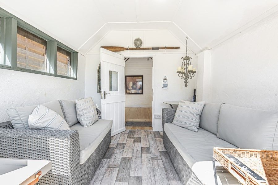 Avocet Cottage NC | Summer house living area