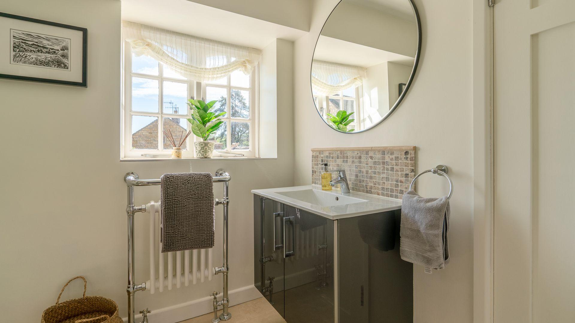 Family Shower Room, Colebrook Cottage, Bolthole Retreats