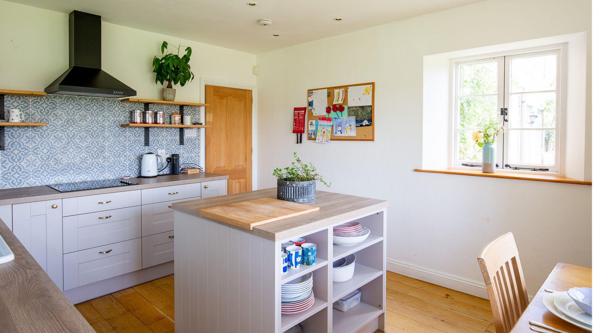 Kitchen-breakfast room, Corn Close, Bolthole Retreats