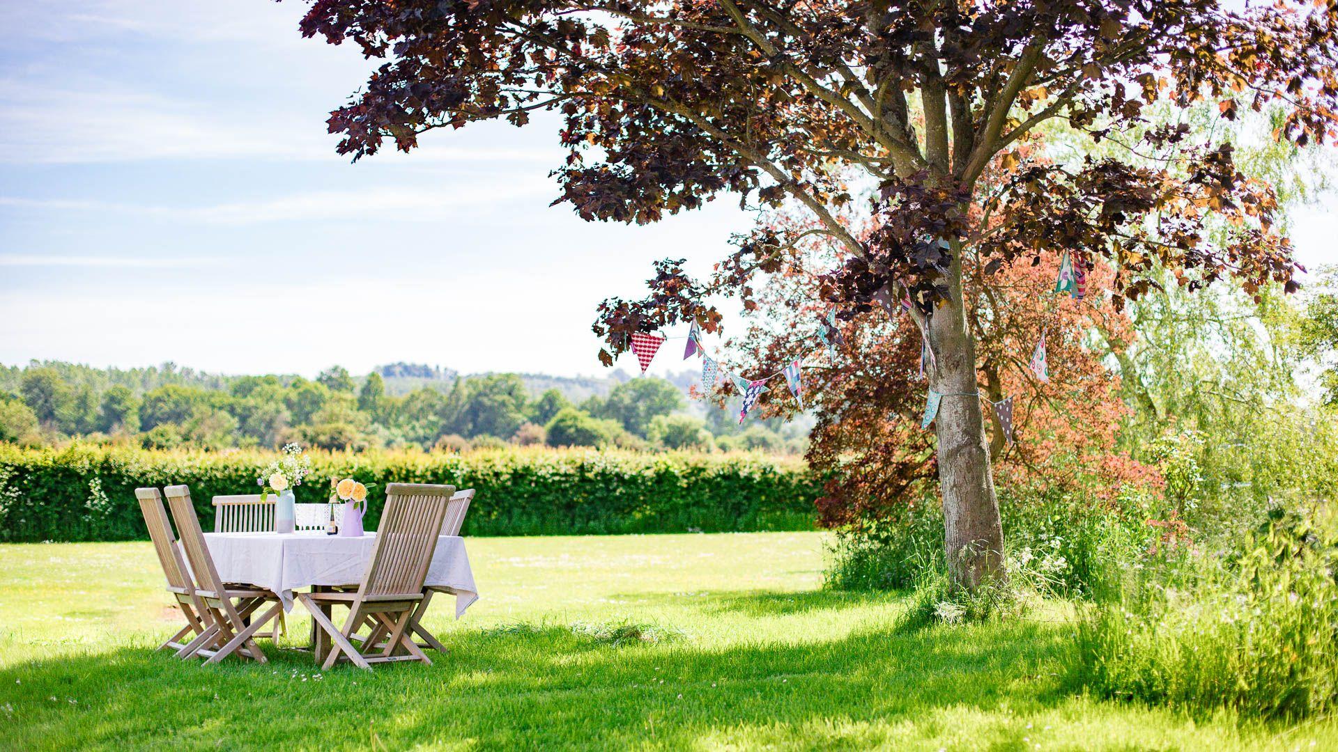Outdoor dining, Corn Close, Bolthole Retreats