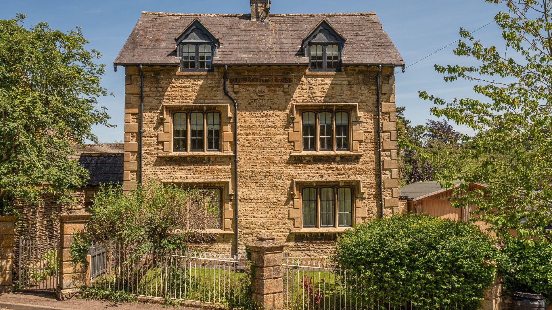 Front View, Colebrook Cottage, Bolthole Retreats