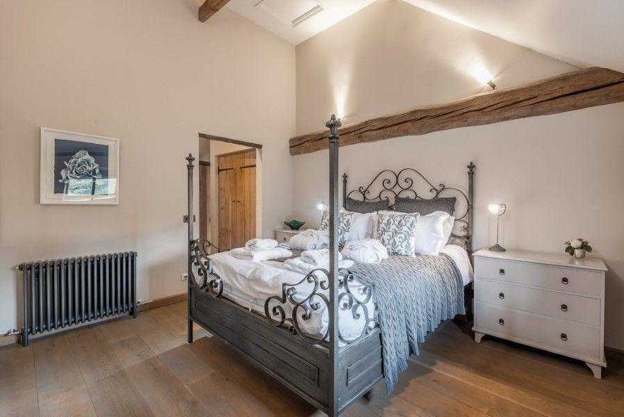 Slumber Barn   Bedroom 2