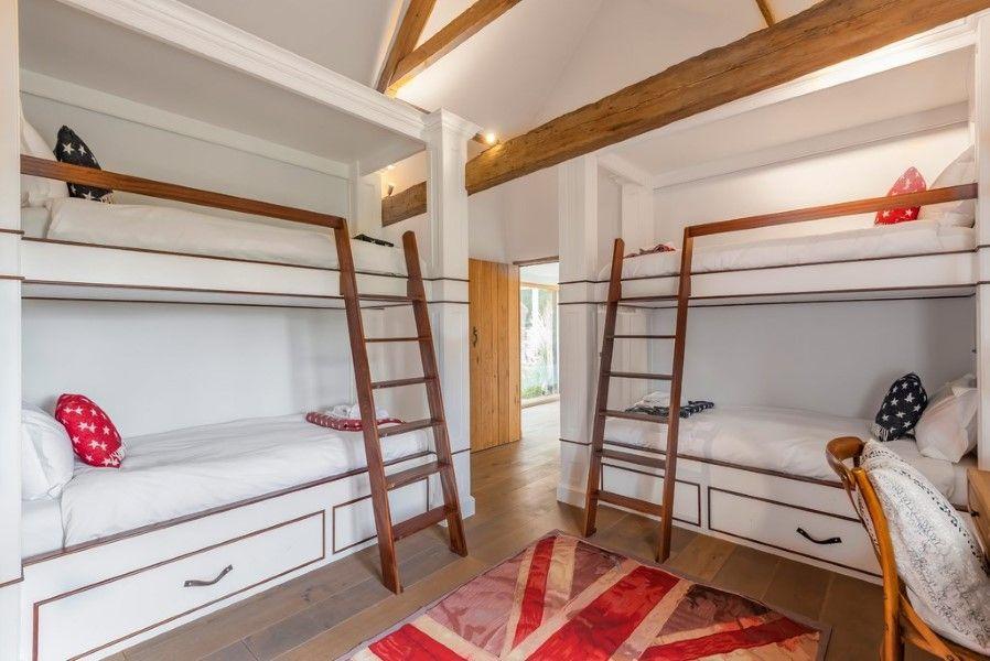 Slumber Barn   Bunk room