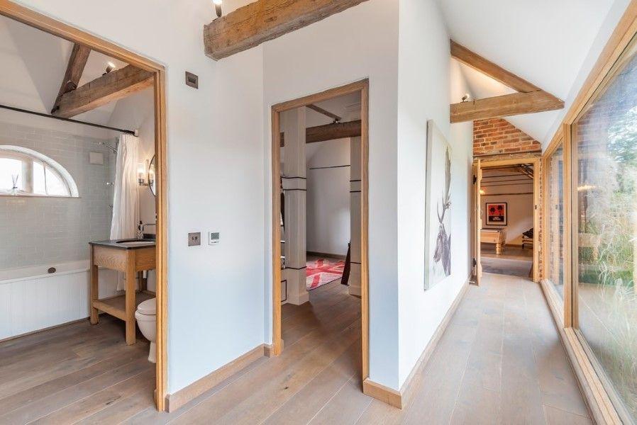 Slumber Barn   Hallway
