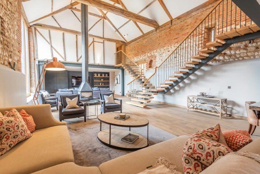 Slumber Barn | Living area