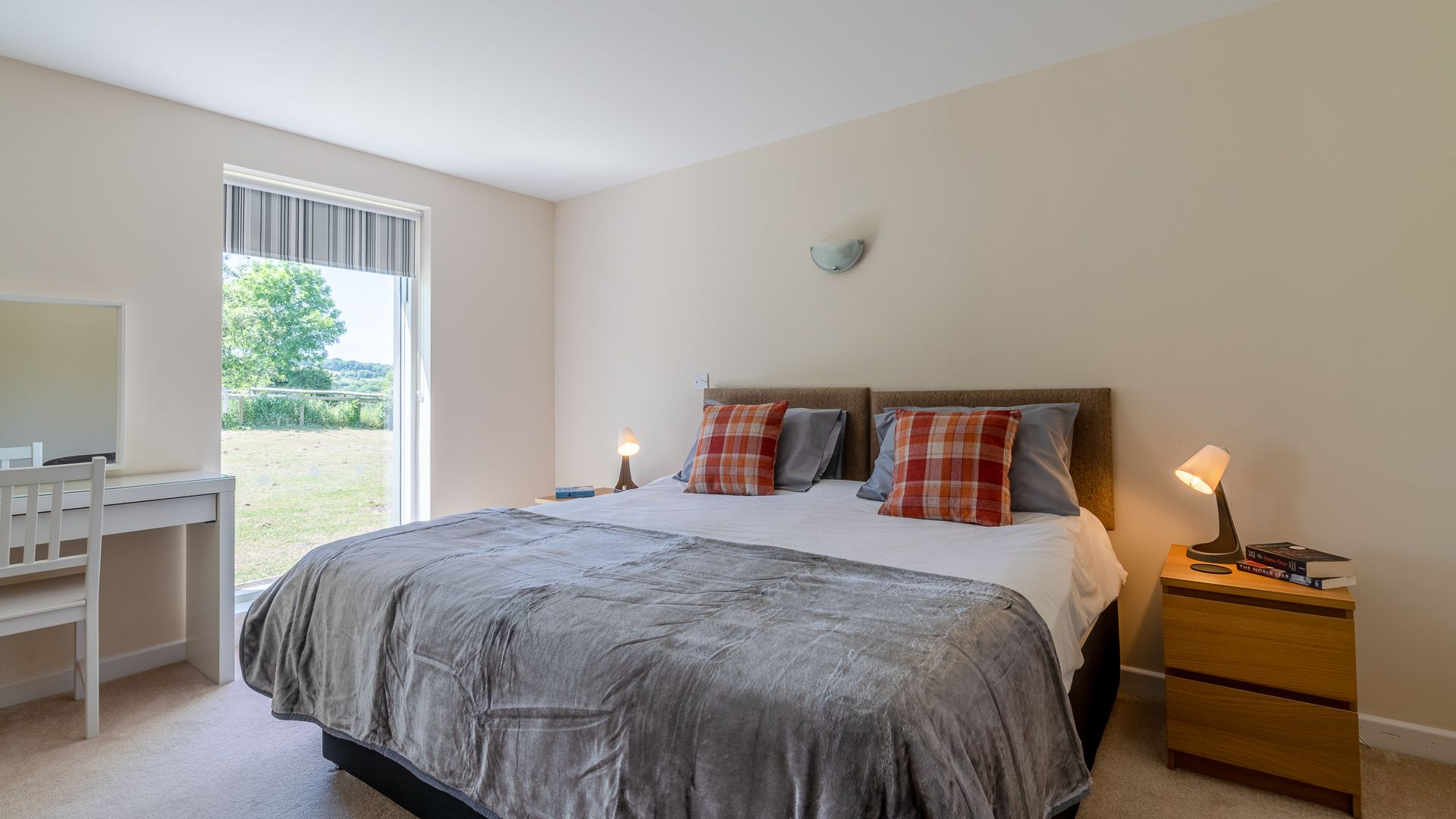 Bedroom One, Hill View Rise, Bolthole Retreats