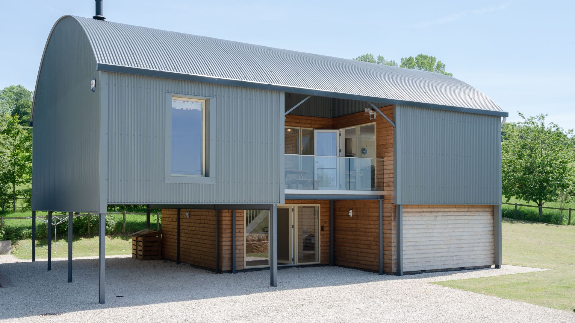 Front View and Carport, Hill View Rise, Bolthole Retreats
