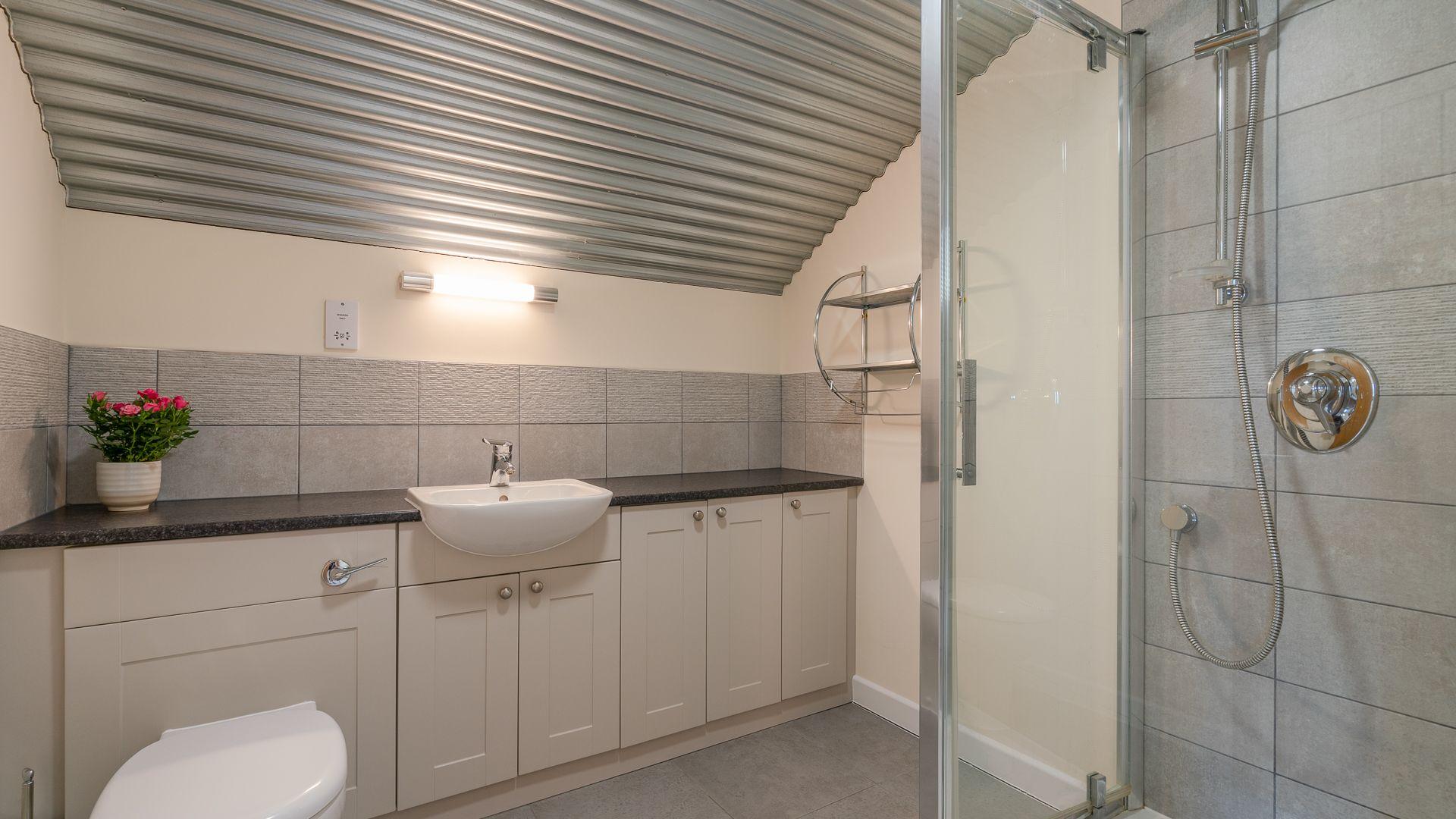 Shower Room, Ledge View, Bolthole Retreats