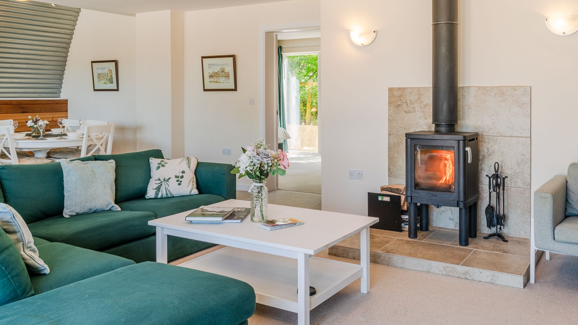 Living Area Fireplace, Ledge View, Bolthole Retreats