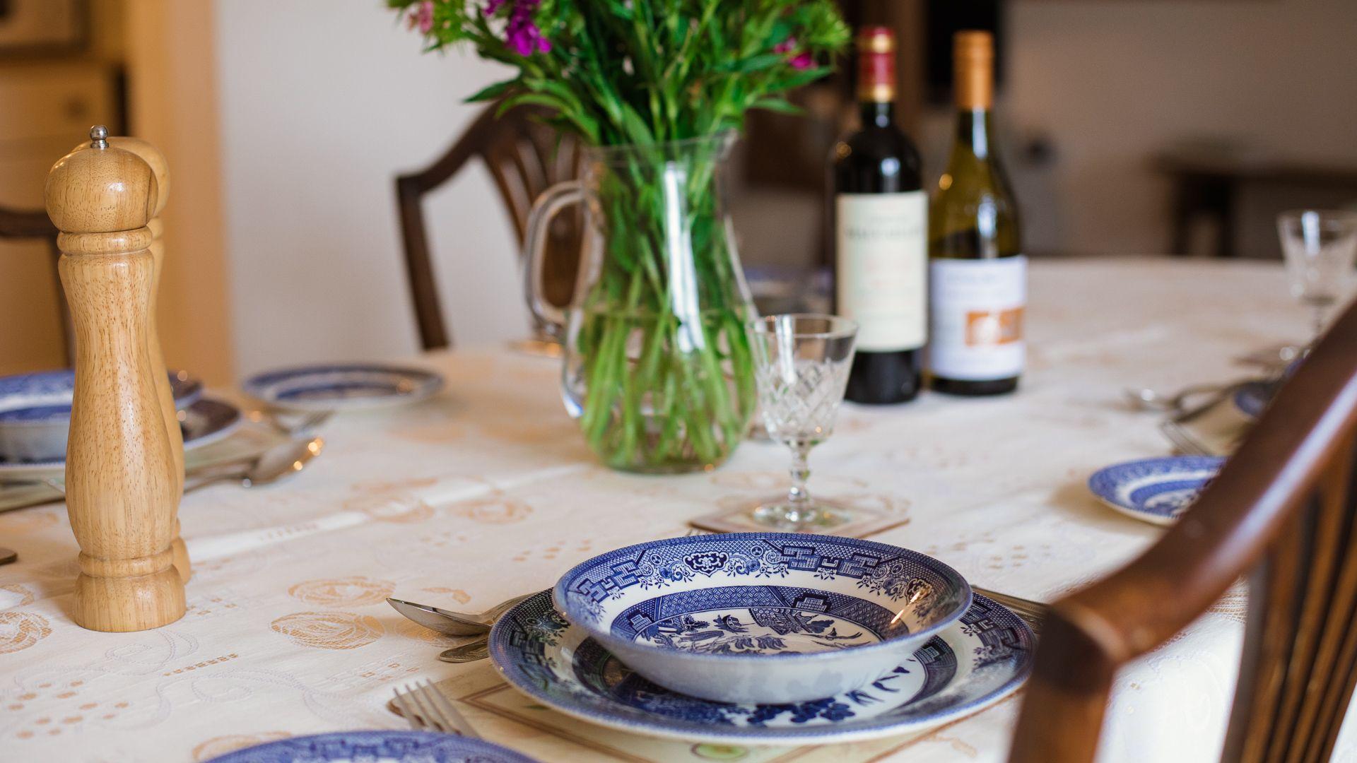 Dining Table, Oak Tree Cottage, Bolthole Retreats