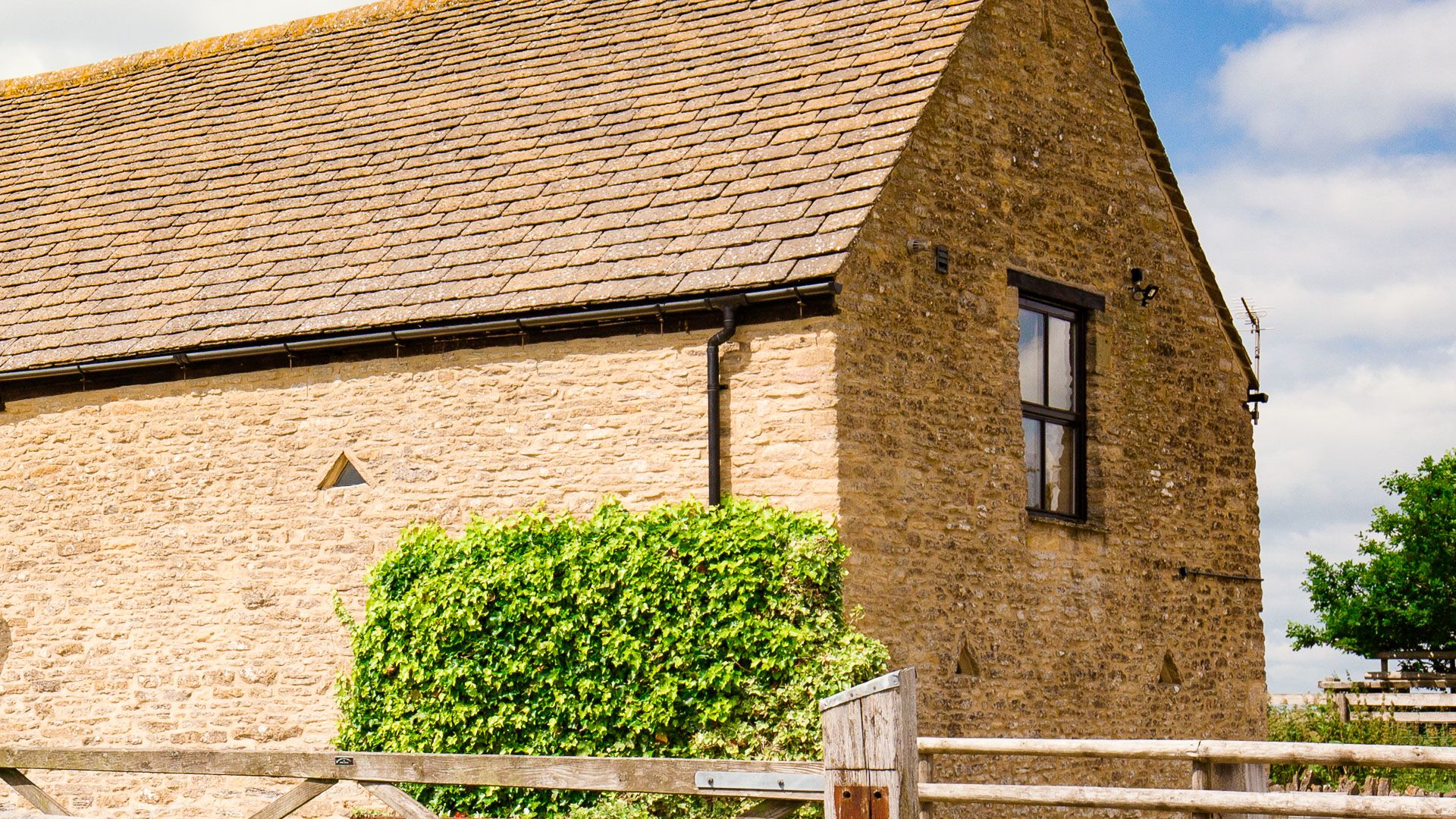 Exterior, Oak Tree Cottage, Bolthole Retreats
