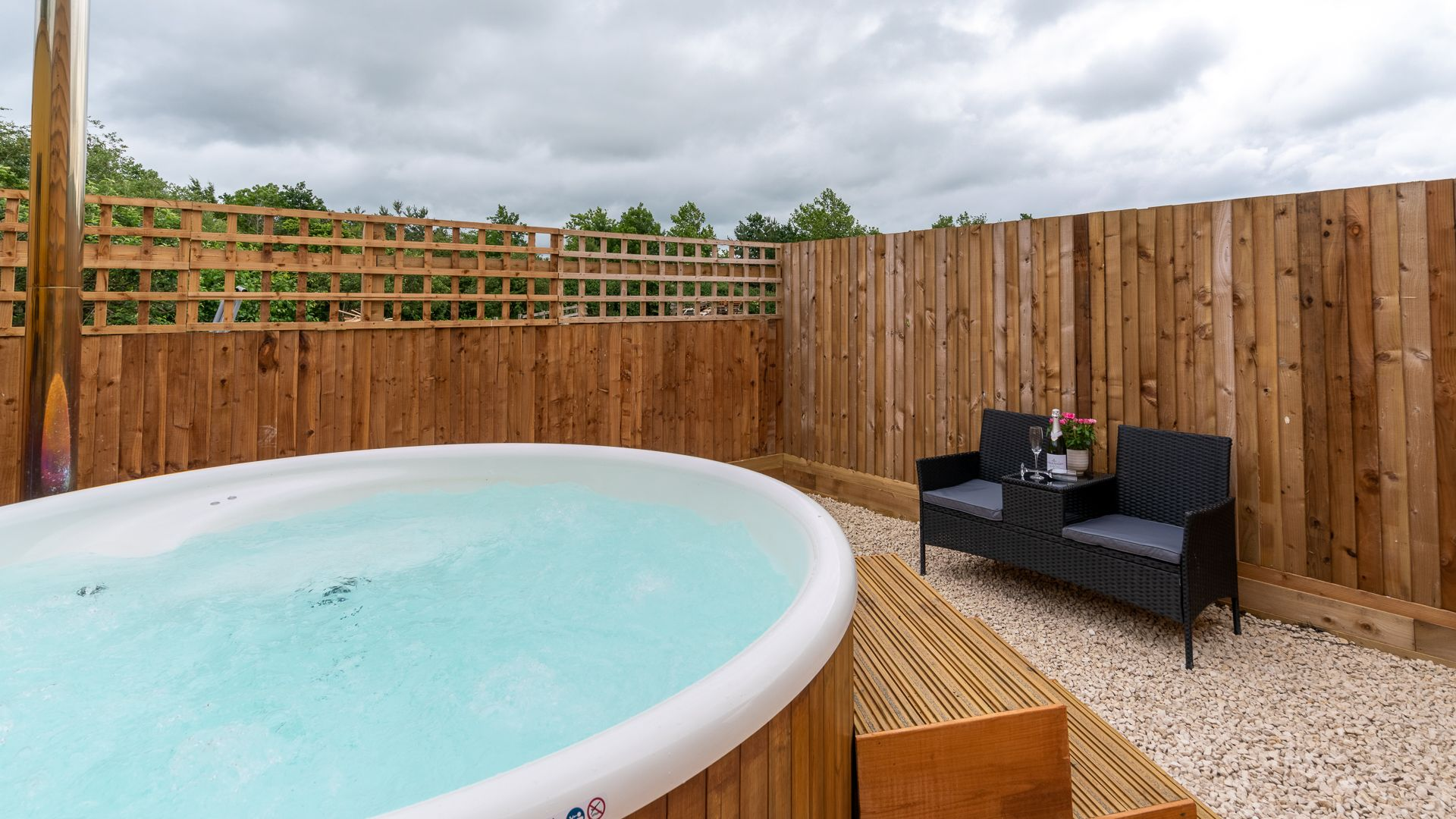 Wood-fired Hot Tub, Lily Barn at Laburnum Farm Estate, Bolthole Retreats