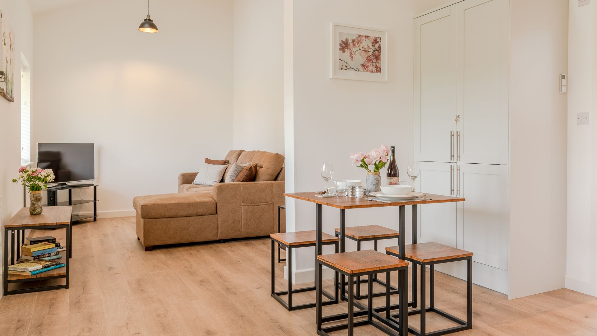Open-plan dining-living area, Rose Barn, Laburnum Farm Estate, Bolthole Retreats