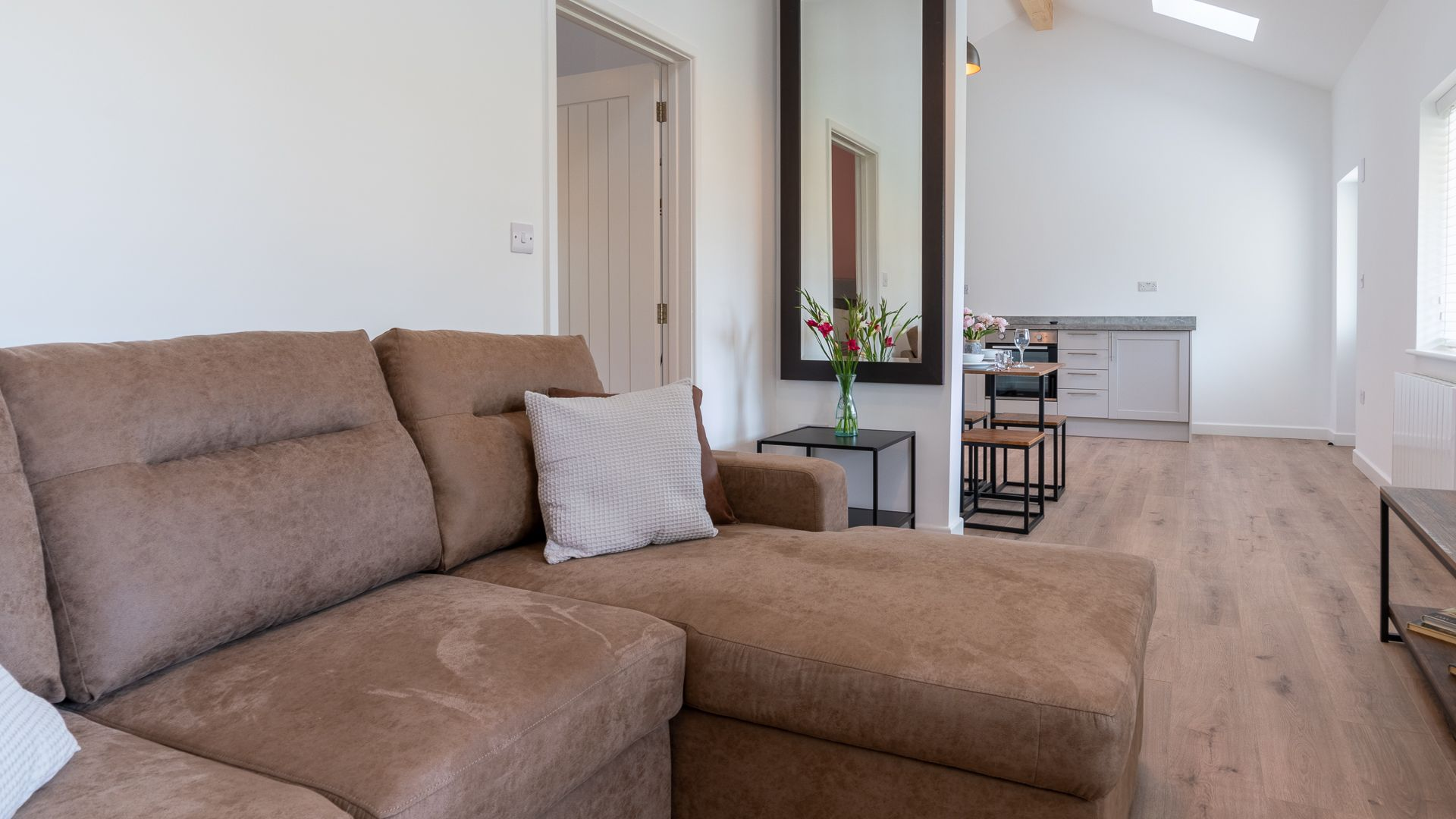 Living-dining-kitchen area, Rose Barn, Laburnum Farm Estate, Bolthole Retreats