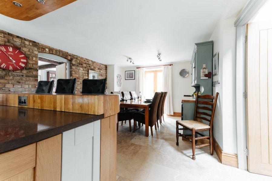 Sextons Barn | Kitchen/dining