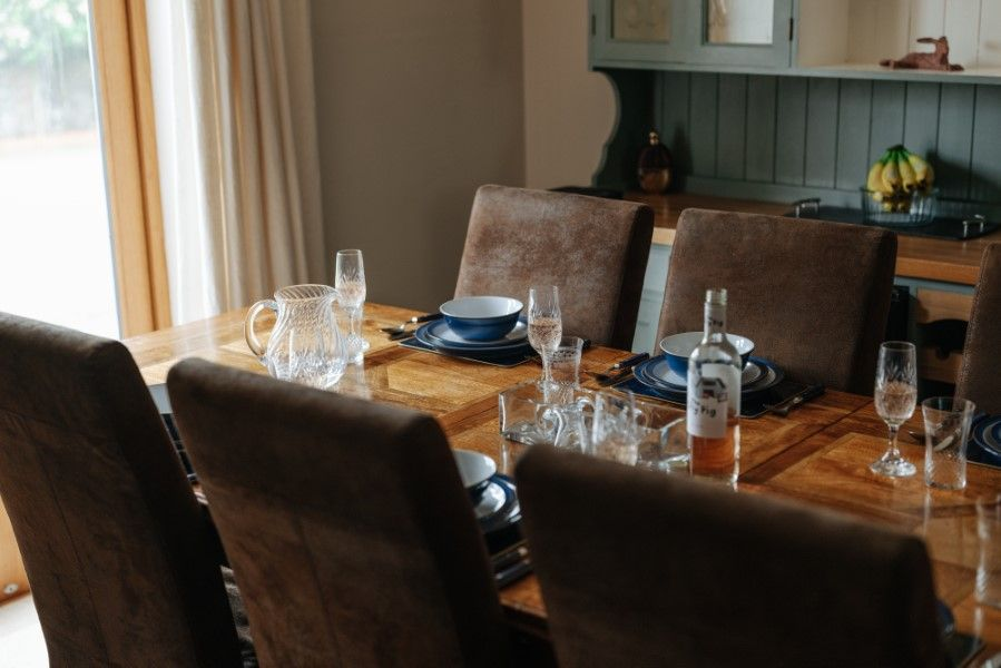 Sextons Barn | Dining table