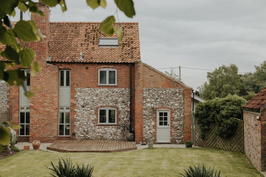 Sextons Barn | View from garden