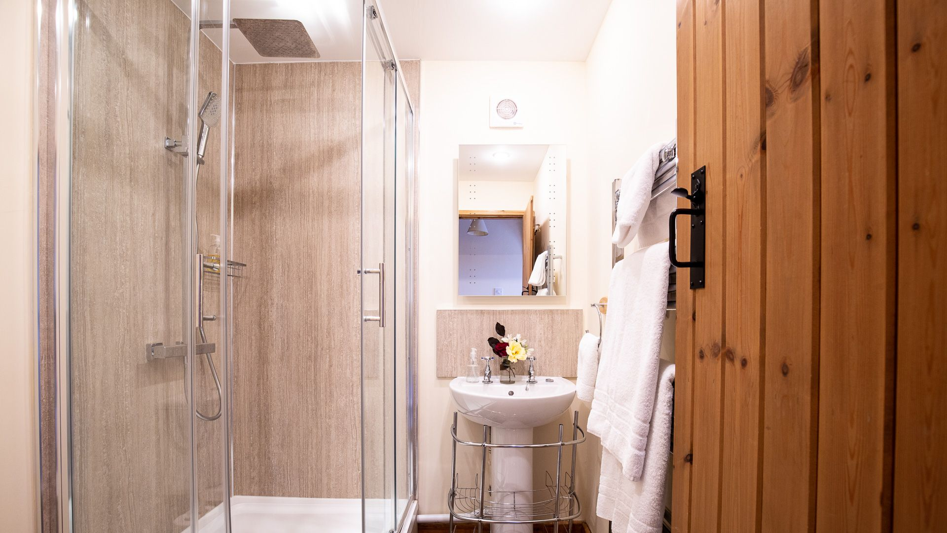 Ensuite shower room, The Gallery, Bolthole Retreats
