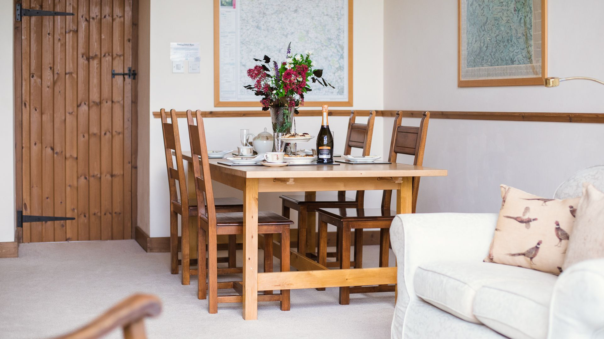 Dining area, The Gallery, Bolthole Retreats
