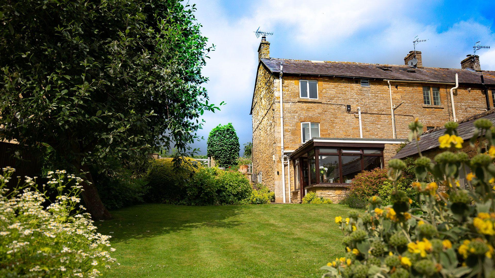 Rear Garden, Lark Rise Cottage, Bolthole Retreats