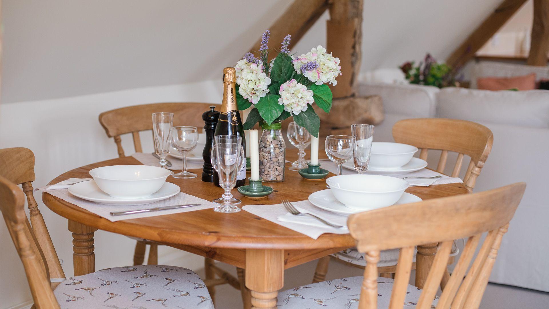Dining table, Hayloft at Newbarn Farm, Bolthole Retreats