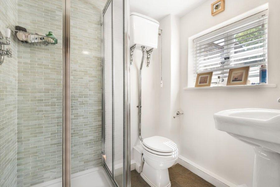 Skeet Cottage | Shower room