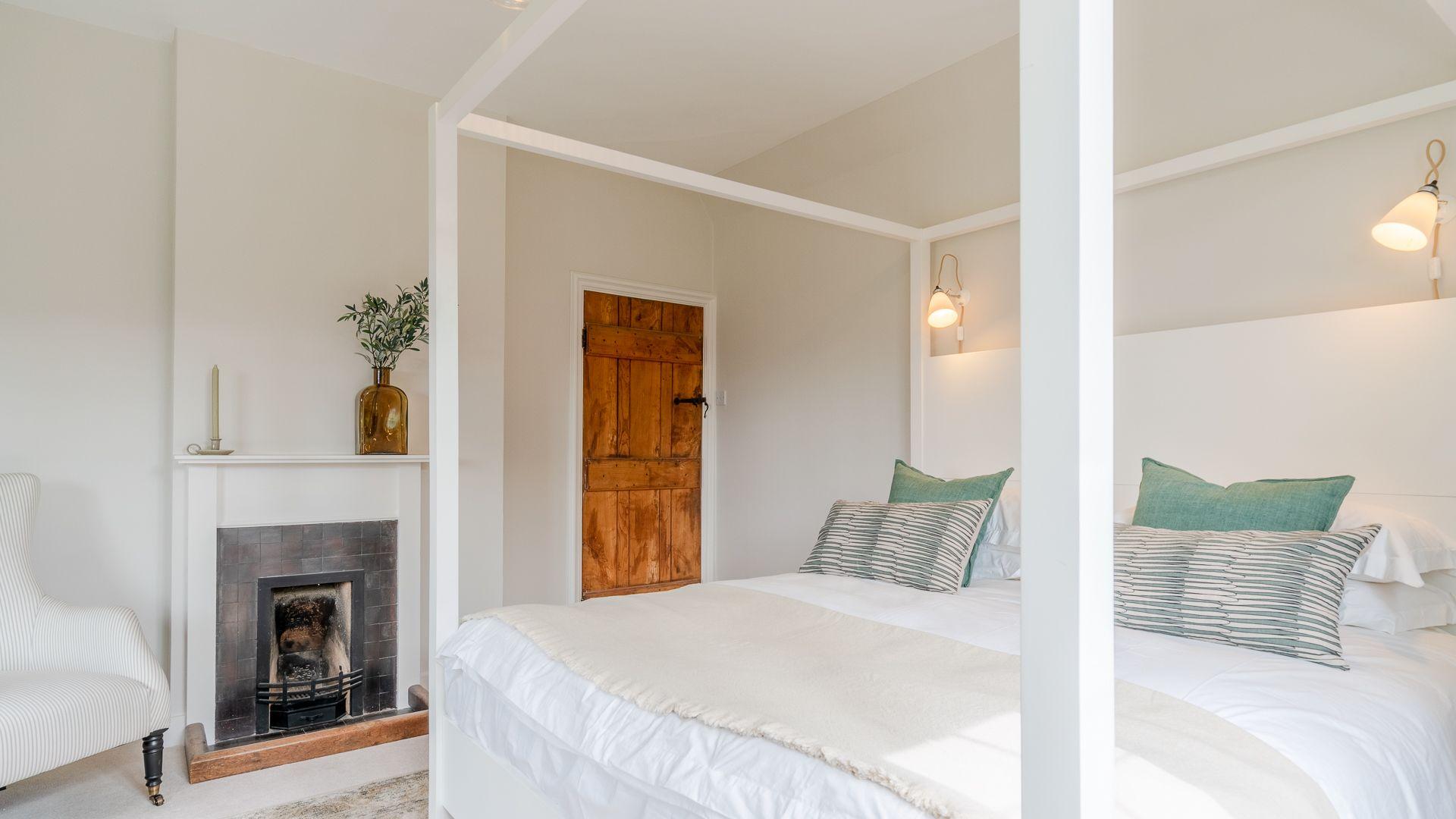 Bedroom One, Court Cottage, Bolthole Retreats