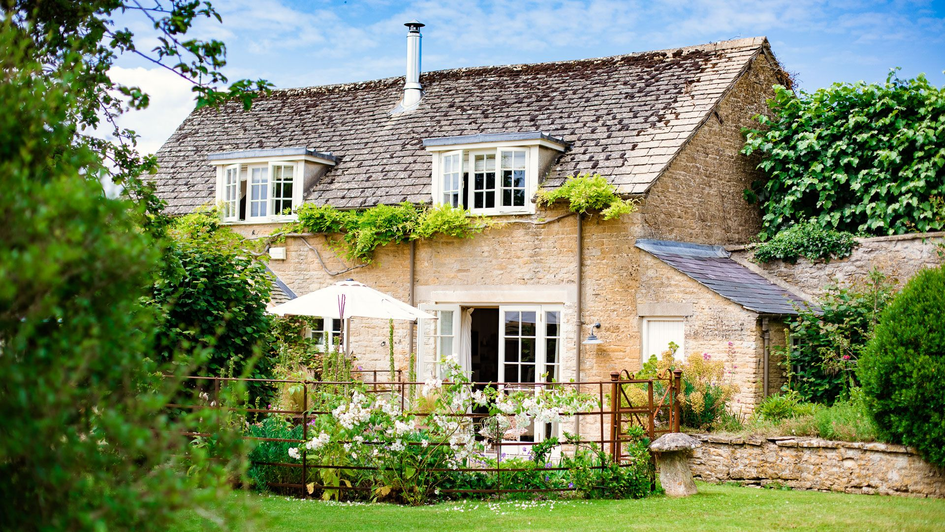 Front view, Apple Store Cottage, Charlbury