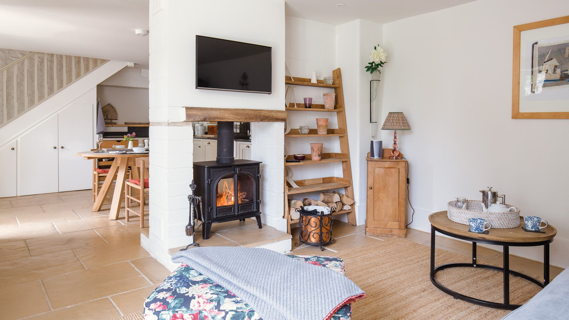 Open-plan living-dining-kitchen, Apple Store Cottage, Charlbury