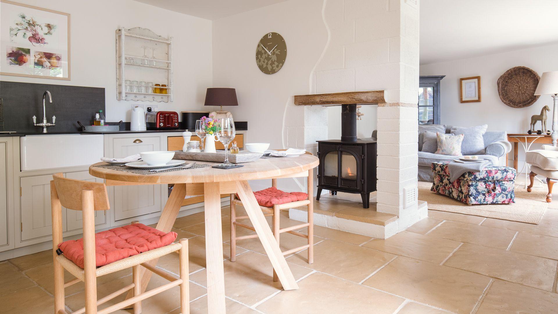 Open-plan kitchen-dining-living room, Apple Store Cottage, Charlbury