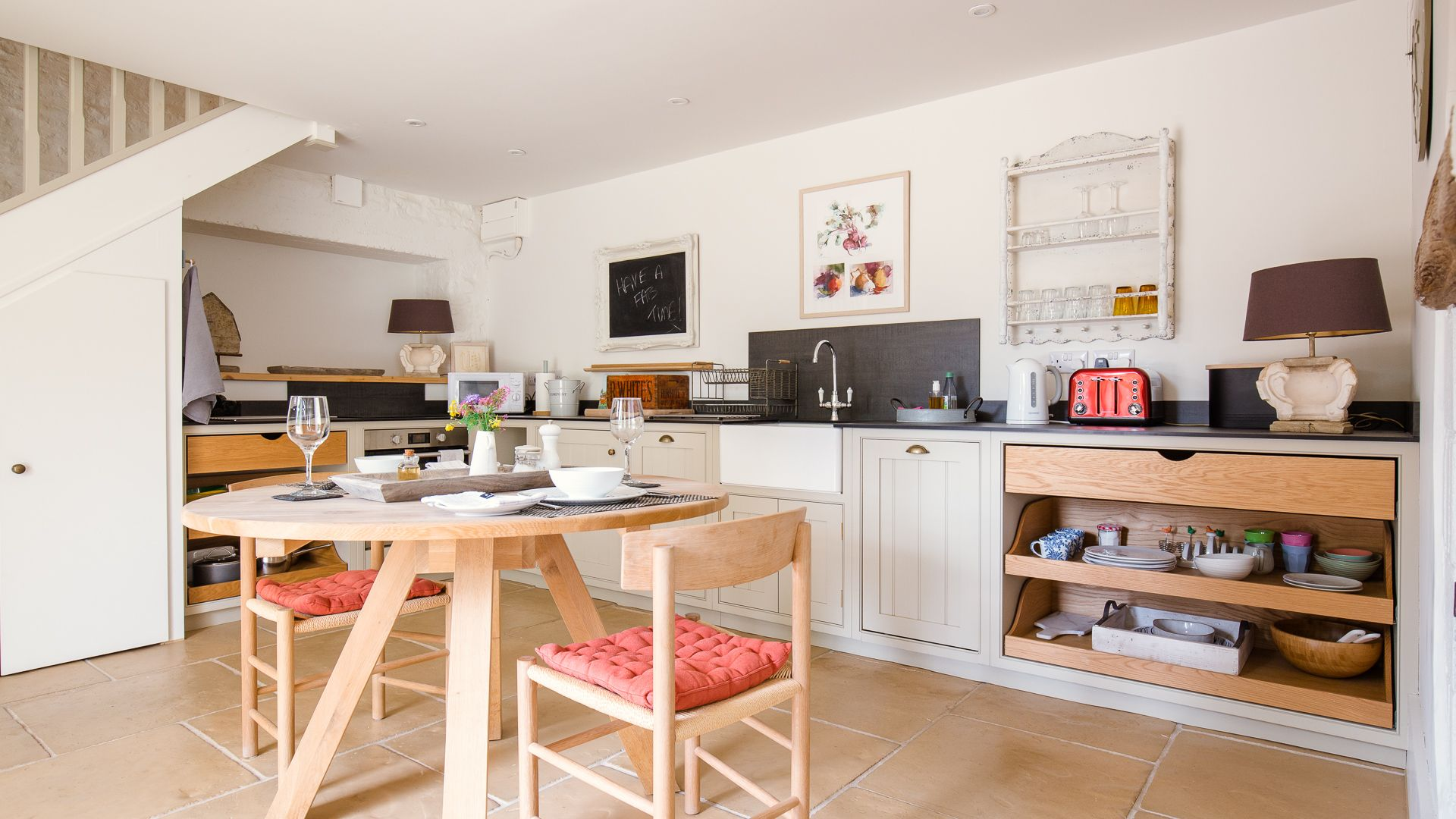 Kitchen and dining area, Apple Store Cottage, Charlbury